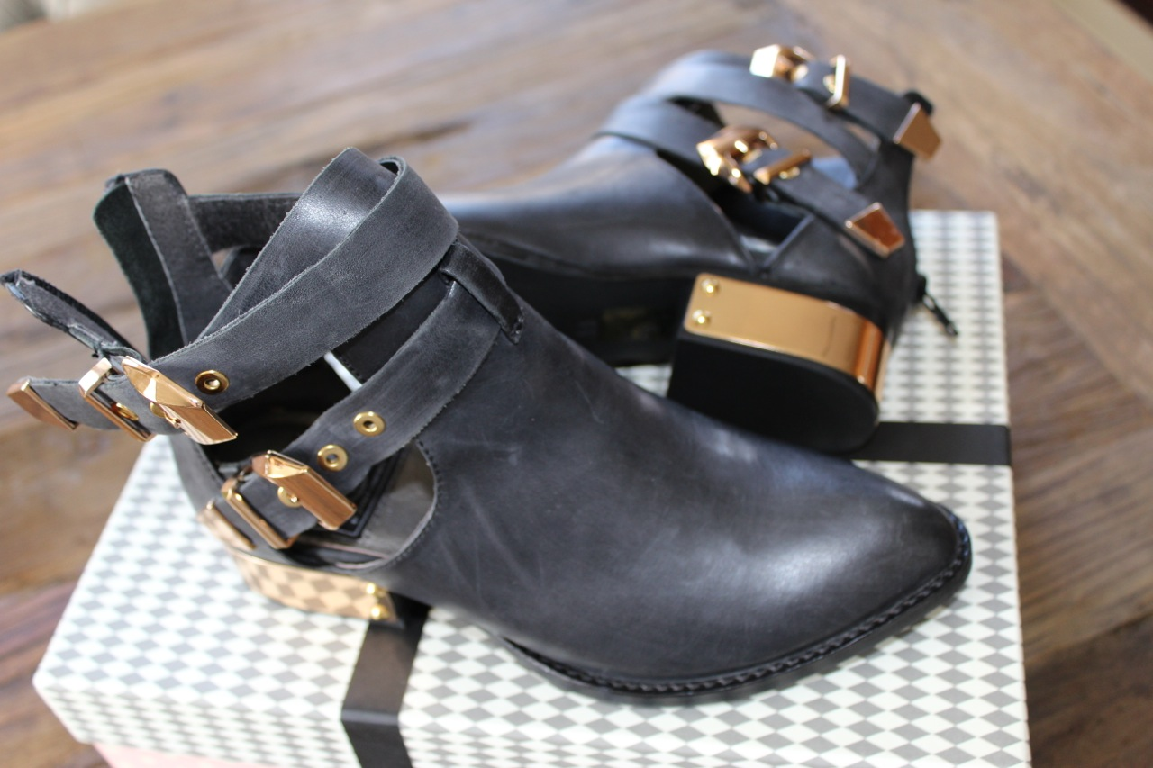 Little Black Boots - Simply Auna