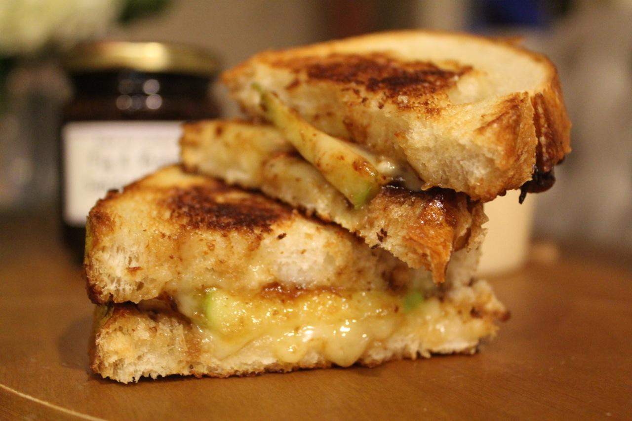 27-Grilled brie sandwich1